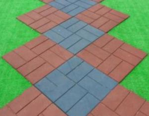 Strip Outdoor Playground Rubber Flooring Paver pictures & photos