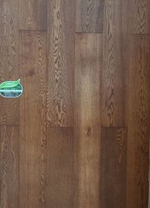 Oak Engineered Wood Floor with Brushed Surface pictures & photos