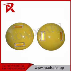 Hot Sale White Cat Eye Reflective Ceramic Road Stud pictures & photos