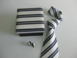 New Stripe Design Men′s Fashion Yarn Dye Neckties with Gift Box pictures & photos