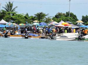 Aqualand 23feet 7m Fiberglass Passenger Ferry Boat/Water Taxi /Panga Boat (230PRO) pictures & photos