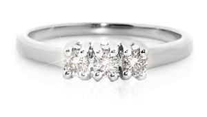 18K White Gold Ring With Diamond (LRD1269)