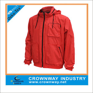 Custom Lightweight Waterproof Jacket for Men pictures & photos