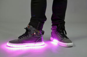 Hot Sale Fashion Adults LED Light Shoes Casual for Male Female, Good Quality Big Size LED Shoe Men LED Flash pictures & photos