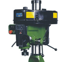 Vertical Universal Drilling and Milling Machine with High Precision (ZX7032) pictures & photos