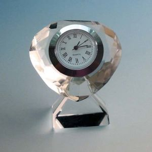 Small Gifts Heart Shaped Glass Clock Crystal Clocks pictures & photos