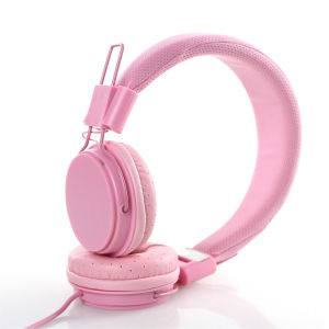 Folded Headphones with Mic pictures & photos