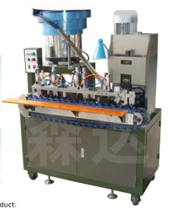 Two Round Plug Crimping Machine pictures & photos