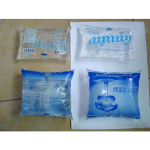 Direct Factory Automatic Water Sachet Packing Machine pictures & photos