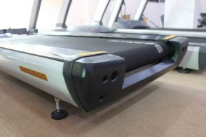 Heavy Duty Solid Commercial Treadmill with 7 HP AC Motor pictures & photos