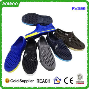 China Cheap Man EVA Injeciton Clogs Shoes with Holes (RW28356D)