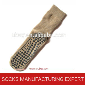 Men′s Woolen Anti Slip Home Socks pictures & photos