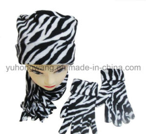 Promotion Lady Knitted Winter Warm Printed Polar Fleece Set pictures & photos