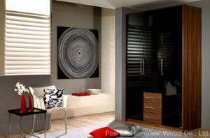 UV Black Lacquered Wardrobe Closet with 3 Drawers (HF-EY071) pictures & photos
