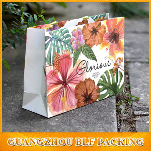 Elegant Paper Gift Bag with Flowers pictures & photos