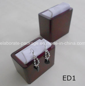 Wooden Jewelry Earring Display pictures & photos