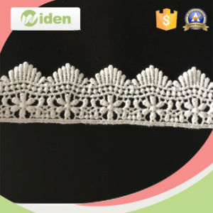 Hot Selling Fashionable Floral Scalloped Chemical Fabric Embroidery Lace pictures & photos