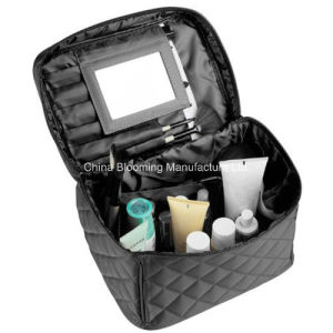 Nylon Beauty Makeup Wash Pouch Travel Toiletry Toilet Cosmetic Bag pictures & photos