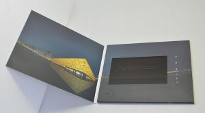 7inch TFT LCD Screen Video Greeting Brochure Wedding Cards (VC-070) pictures & photos