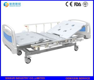 China Best Sale Hospital Furniture Manual Three Crank Medical Beds pictures & photos