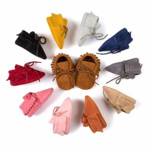 Baby Crib Tassels Bandage Soft Sole Shoes Toddler Sneakers Casual Shoes pictures & photos