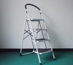 Steel Folding Ladder pictures & photos