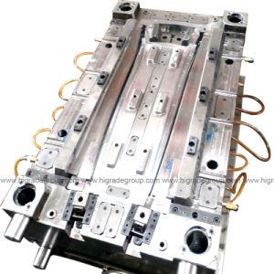 Auto Injection Mould/Plastic Mould/Injection Mould/Auto Lamp Strip Mould pictures & photos