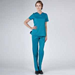 China Wholesale Printed Scrubs Hospital/Fashion Print Scrubs for Medical Supply pictures & photos