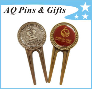 Enamel Golf Divot Tool with 3D Logo & Epoxy (Golf-22) pictures & photos