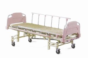 Four Cranks Five Functions Mechanical Manual Care Bed (XH-C-13) pictures & photos
