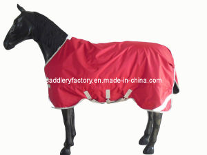 Red Ripstop Horse Rug 300g Fill (SMR1258) pictures & photos