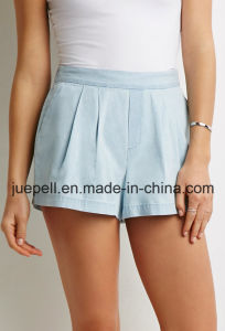 Knife-Pleated Elasticized Waist Slanted Front Pockets Denim Shorts pictures & photos