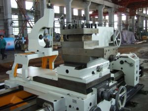 Cw61125L Common Horizontal Lathe /Big Lathe/ Heavy Duty 10tons Load pictures & photos