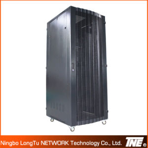 19′′ Sever Cabinet with Perforated Vented Doors pictures & photos