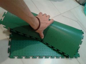 High Quality Interclocking PVC Flooring in Piece pictures & photos