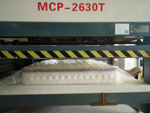 Roll Packed Pocket Innerspring Mattress pictures & photos