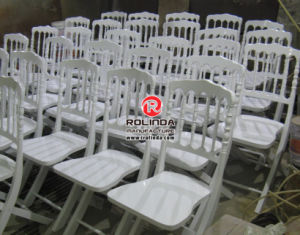 Outdoor Wedding Napoleon Folding Chairs with Cushion pictures & photos