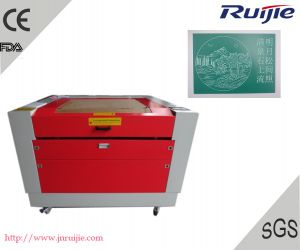 CO2 Laser Engraving and Cutting Machine Rj1060 pictures & photos