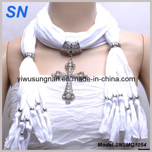 2015 White Jesery Cross Pendant Scarf (SNSMQ1054) pictures & photos