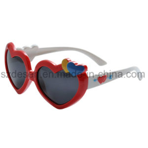 New Style Korean Colorful Lovely Heart Pattern Child Kids Sunglasses pictures & photos