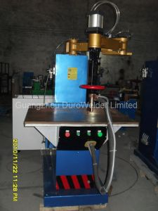 Factory Direct Sale Table Spot Welding Machine pictures & photos