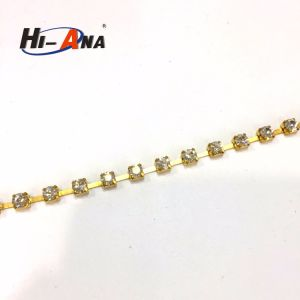 Cheap Price China Team Top Quality Wholesale Rhinestone Chain pictures & photos