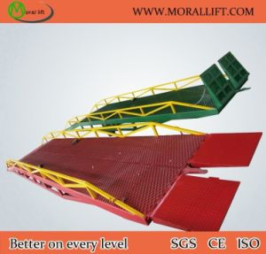 Adjustable Warehouse Container Loading & Unloading Ramp pictures & photos