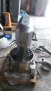 10L-80L Planetary Food Mixer for Whipping Eggs with Safety Guard (YL-10B) pictures & photos
