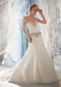 Crystal Beaded Embroidery A-Line Bridal Wedding Dresses (WMA3047) pictures & photos