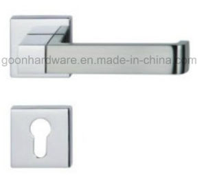 High Quality Zinc Alloy Door Handle on Rose - 202 pictures & photos