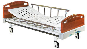 Hospital Furniture Two Function Manual Patient Bed for Family pictures & photos
