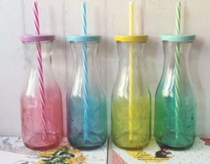 300ml High Quality Glass Bottle, Juice Glass Container with Straw pictures & photos