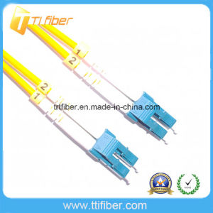 LC/Upc Singlemode G652D Duplex Fiber Optic Patch Cord pictures & photos