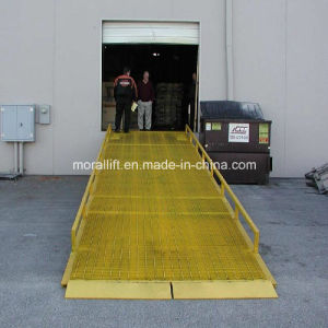 Mobile Hydraulic Forklift Loading Ramp pictures & photos